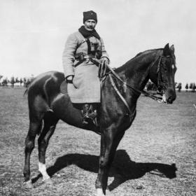 С.М. Буденный на коне. Июль 1921 г. Автор не установлен. РГАКФД. № 4-8270